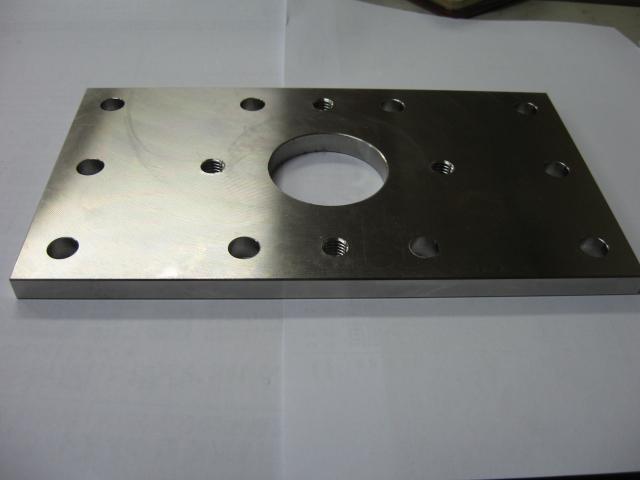 材質インコネル I=601<br>アダプタープレート