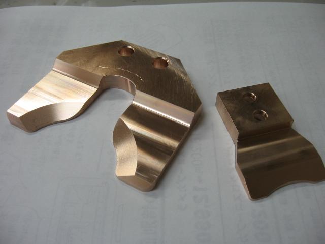 材質リン青銅 クランパー